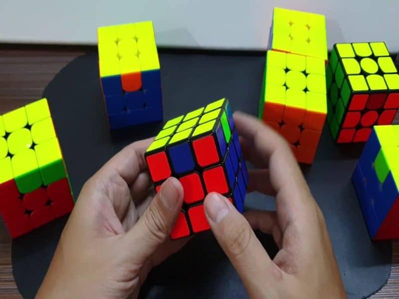 Cách chơi rubik 3x3 khá phức tạp