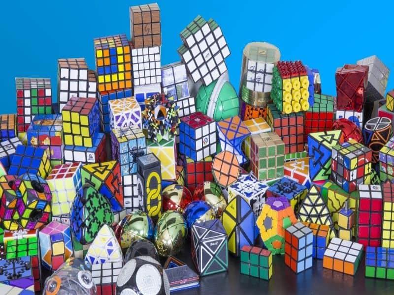 Rubik được ra đời từ năm 1974