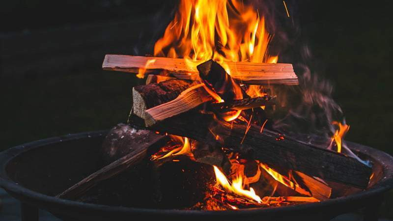 Nằm mơ thấy lửa cháy đánh con gì? Giải mã đầy đủ các loại lửa cháy