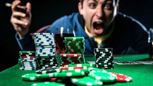 Tilt trong Poker là gì Cách kiểm soát và ngăn chặn tilt hiệu quả