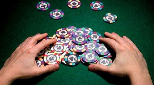 Rake trong poker là gì? Rake quan trọng thế nào trong poker?