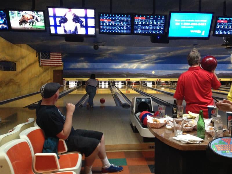 Bowling là gì? Cách chơi và Luật chơi Bowling cho newbie